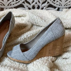 Tom's Stella Wedges- new without box